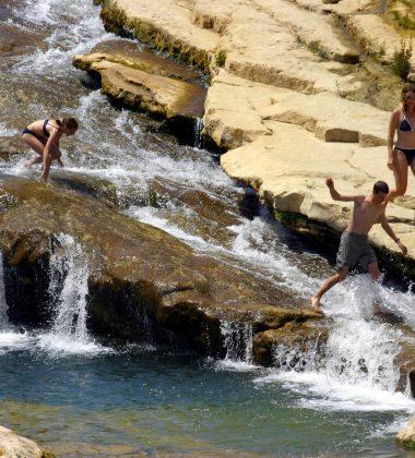 Baignade en rivière à Ribaute